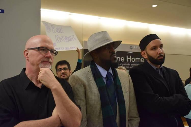 airportprotest2